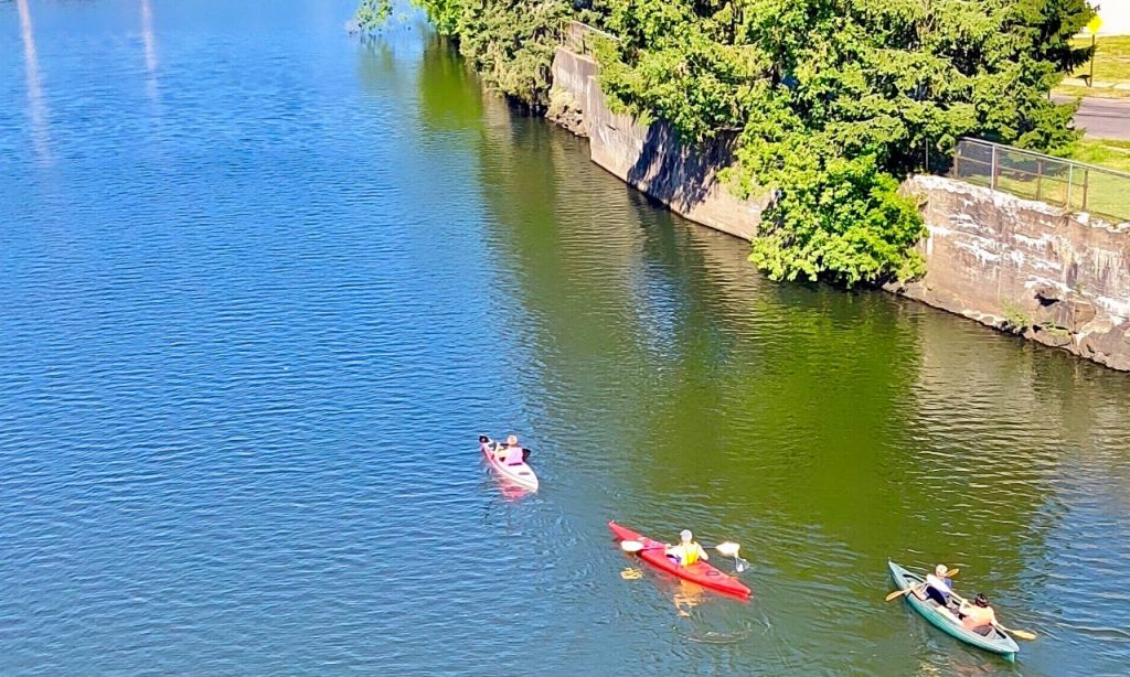 Kayaking on the Erie Canal